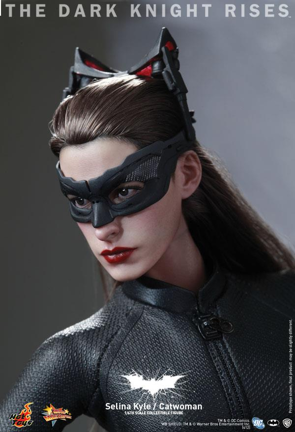 Hot Toys Catwoman 13