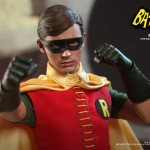 Hot Toys Robin 1966 4