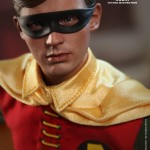 Hot Toys Robin 1966 5
